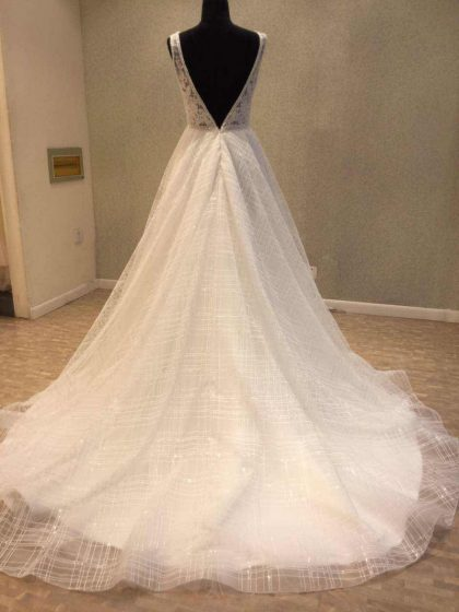Backless Wedding Dresses Sleeveless Bridal Gown