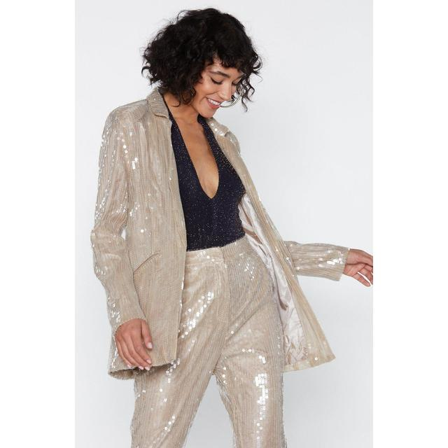 Why a Sequin Blazer Is a Must Have For Many Women?