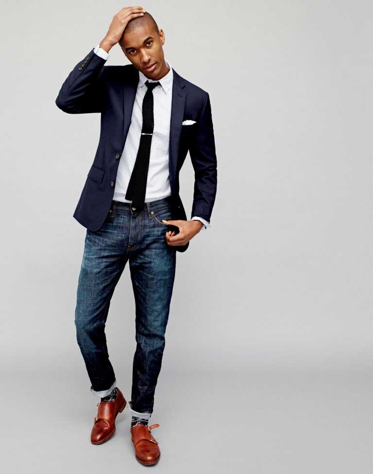 Fashion Tips for Wearing the Right Pair of Navy Blazer Jeans and Ties
