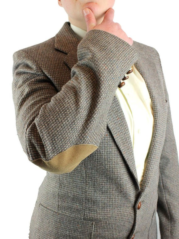 Shopping Tips For an Elbow Patch Blazer