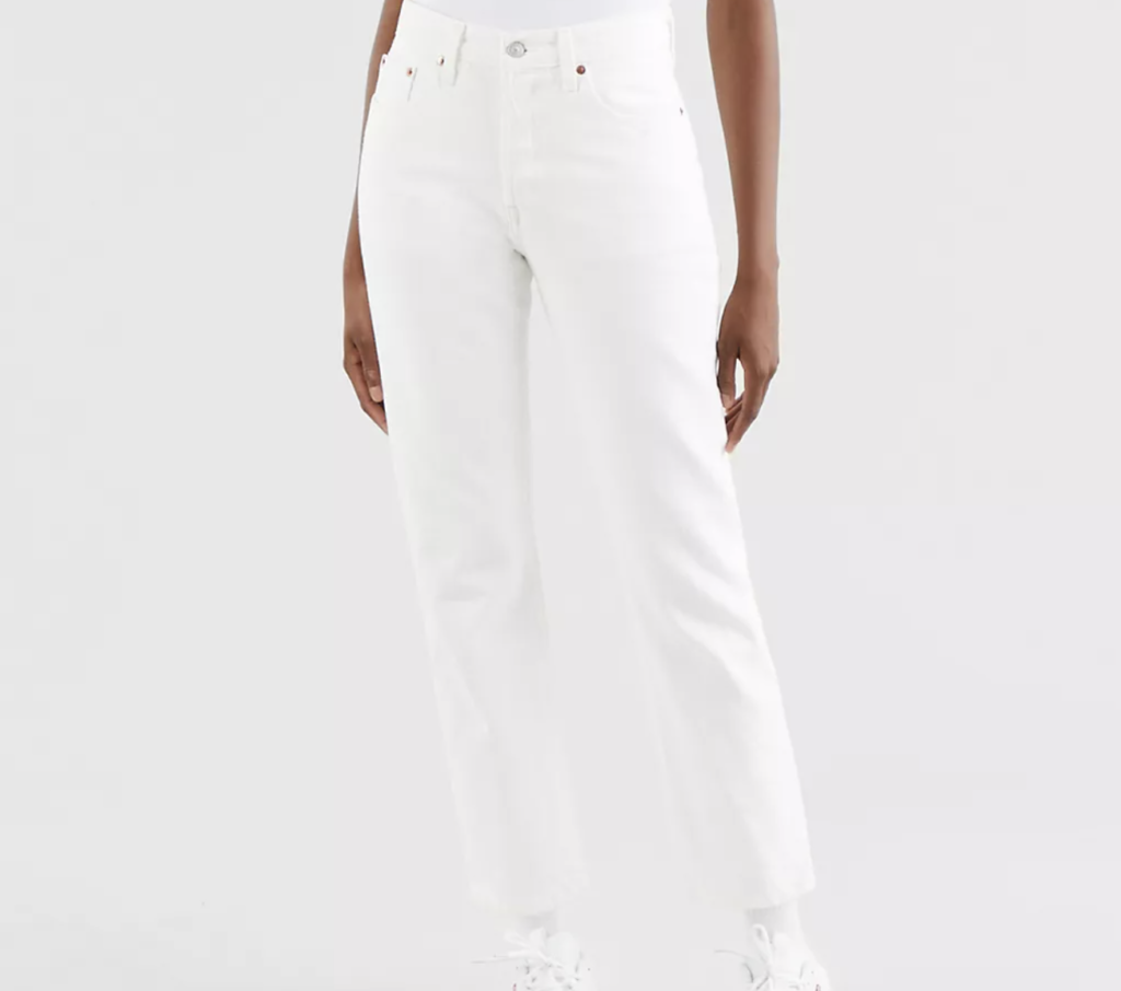 How to Wear White Pants With Skinny Jeans
